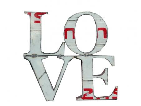 """Letter """"LOVE"""" in small as wall hanger, 100 x 100 cm"""